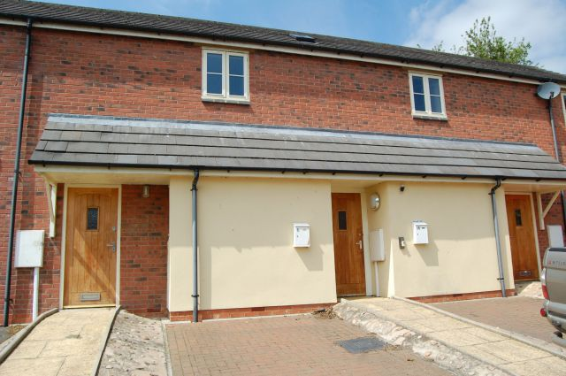Property in Fitzroy Court, West Haddon, Northampton