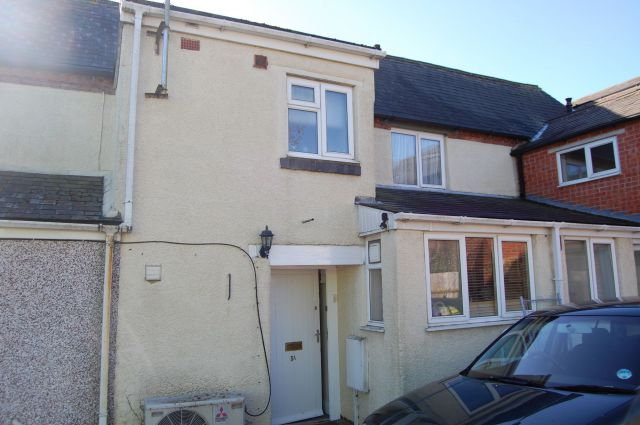 Property in High Street, Long Buckby, Northants