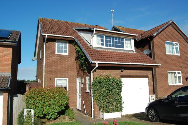 Property in Pembroke Way, Stefan Hill, Daventy