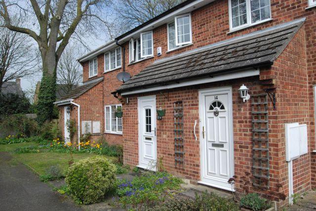Property in The Poplars, Long Buckby, Northampton