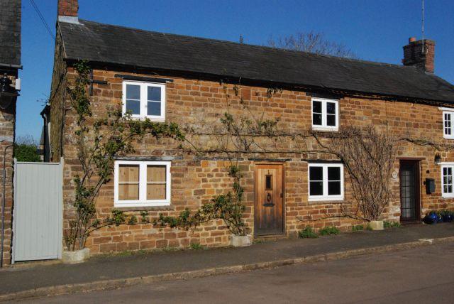 Property in Towcester Road, Litchborough, Towcester