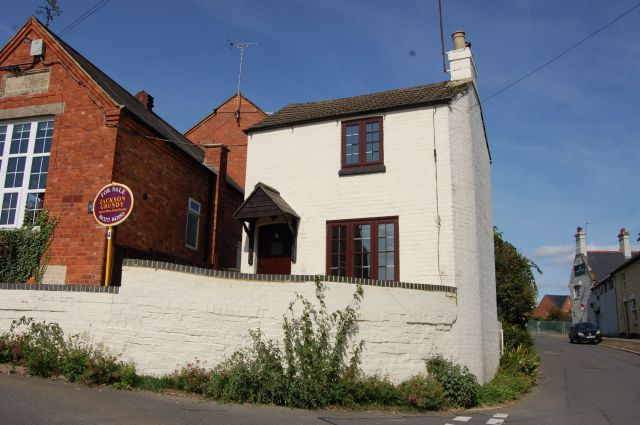 Property in Sutton Street, Flore, Northampton