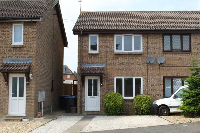Property in Spencer Road, Long Buckby, Northampton