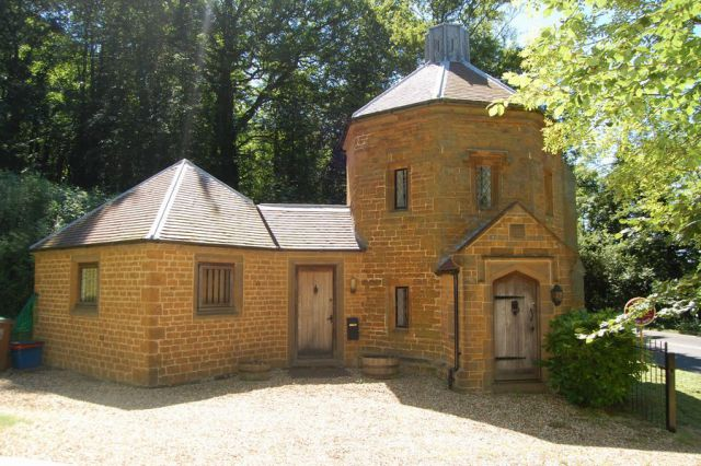 Property in A361, Fawsley, Northants