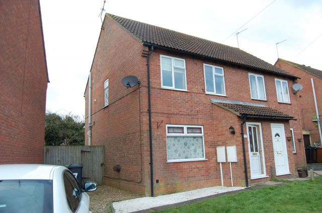 Property in Charles Close, Long Buckby, Northampton