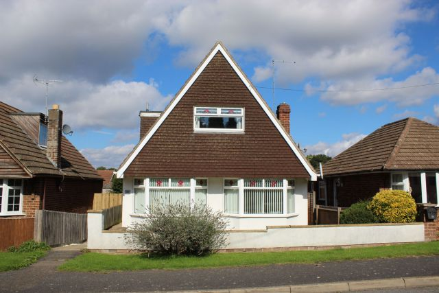 Property in Woodland Avenue, Overstone, Northampton