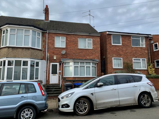 Property in Clarence Avenue, Kingsthorpe, Northampton