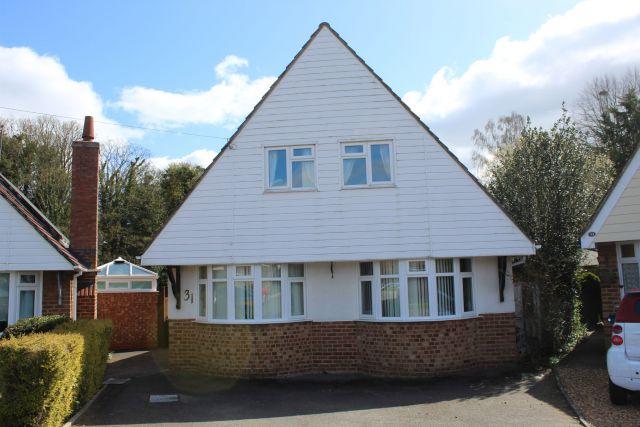 Property in Woodland Avenue, Overstone, Northampton