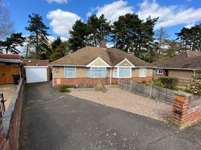 Property in Charnwood Avenue, Westone, Northampton