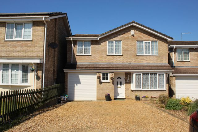 Property in Copper Leaf Close, Moulton, Northampton