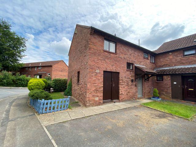Property in Lark Rise, Woodfields, Northampton