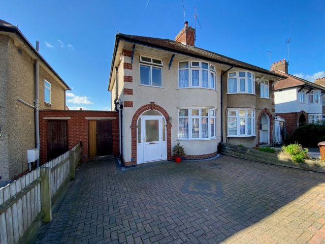 Property in Longland Road, The Headlands, Northampton